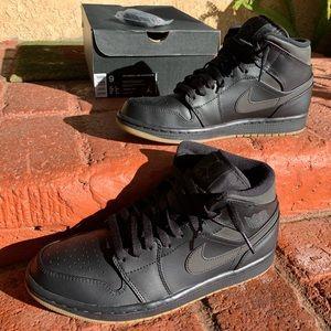 5caf1d442cf194 Men s Jordan Winter Shoes on Poshmark